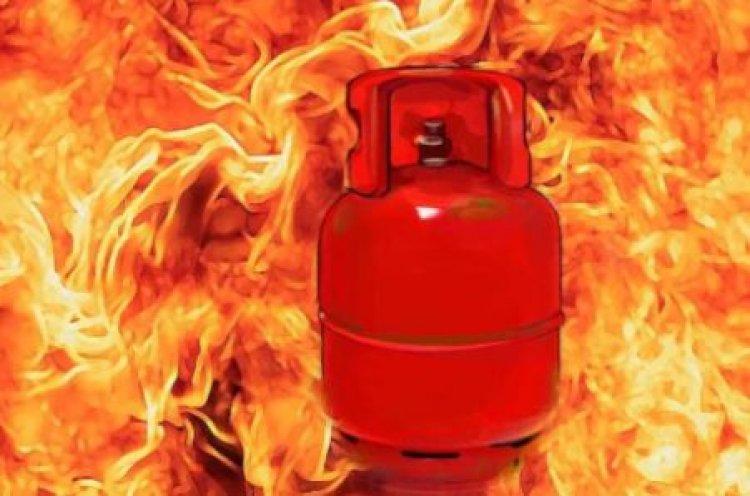 यूपी : कानपुर में ऑक्सीजन सिलेंडर फटने से एक मरा,दो घायल