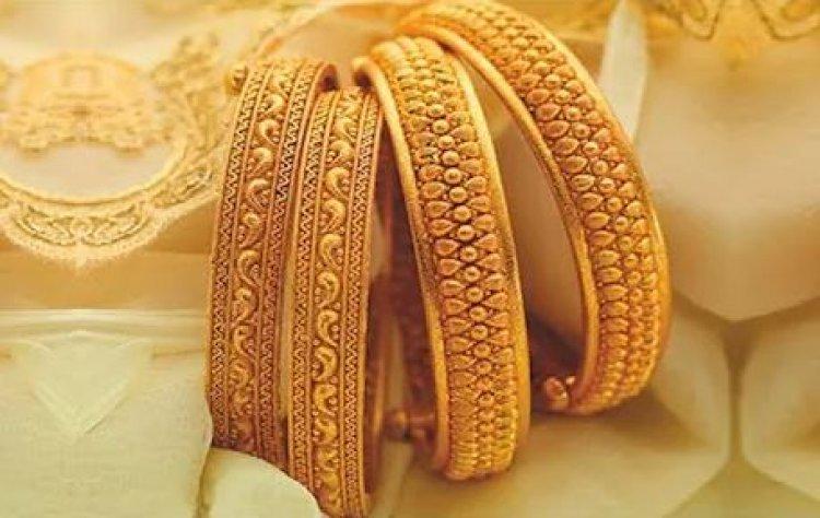 सोना 500 रुपये, चांदी 1,100 रुपये लुढ़की