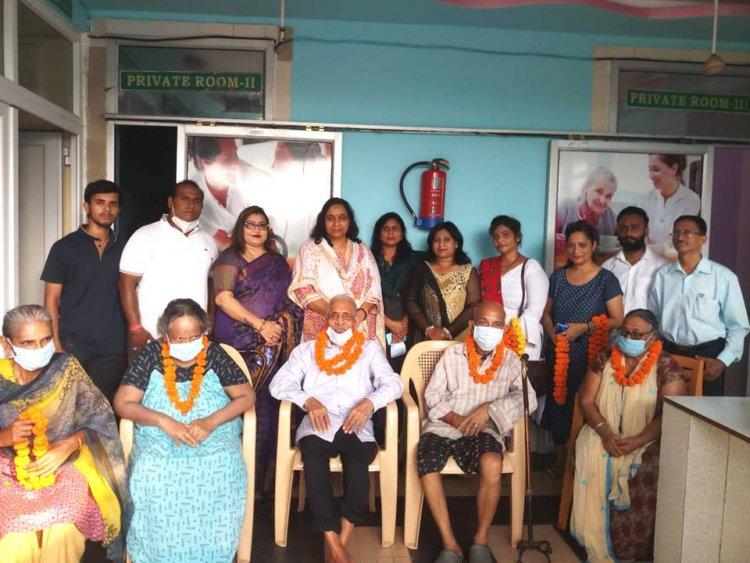 रत्नगिरी सेवा संस्थान कि तरफ ओल्ड एज होम में सेलिब्रेट किया गया शिक्षक दिवस