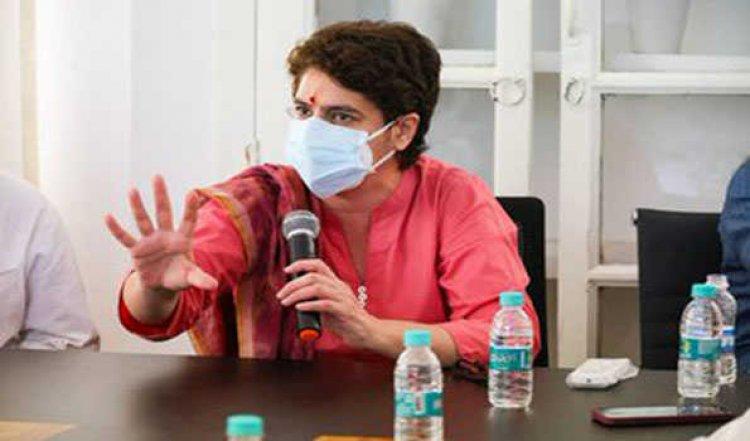 यूपी कांग्रेस के दफ्तर में शुरू हुयी प्रियंका की क्लास