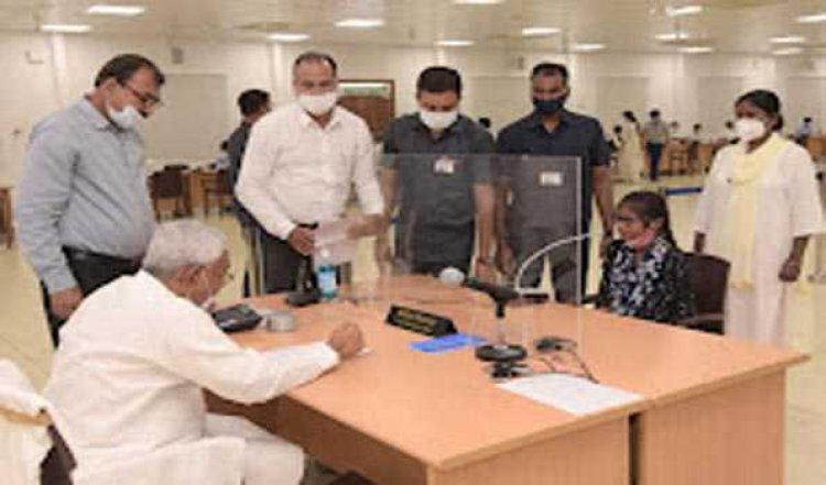 नरेंद्र मोदी के जन्मदिन के दिन रिकॉर्ड टीकाकरण की हो रही तैयारी : नीतीश