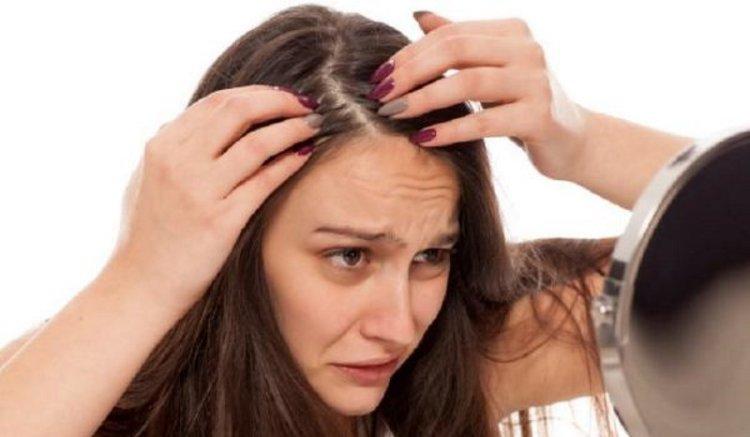 इन 4 Tips से पाएं असमय सफेद बालों से छुटकारा