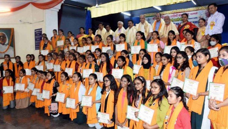 सम्मान समारोह : महेश चंद्र ने कहा- आने वाले कल की युवा शक्ति है विद्यार्थी