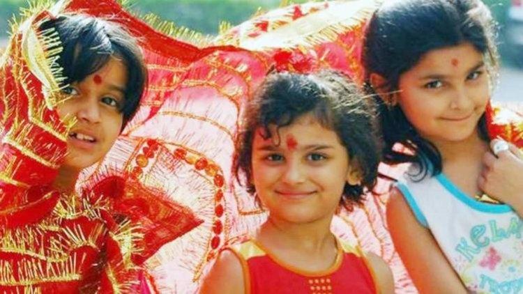 नवरात्रि स्पेशल : कन्या पूजन में ये कैसा गिफ्ट